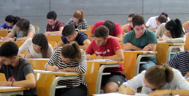 Más de mil estudiantes murcianos recibirán educación financiera