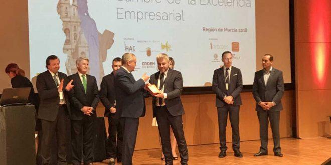 Programa Emprende recibe premio a la Excelencia en la Promoción del Emprendimiento