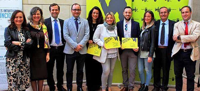 """Aqubix, Almaleón y Pequeña Moma reciben """"Premio Emprendedor del Mes"""""""