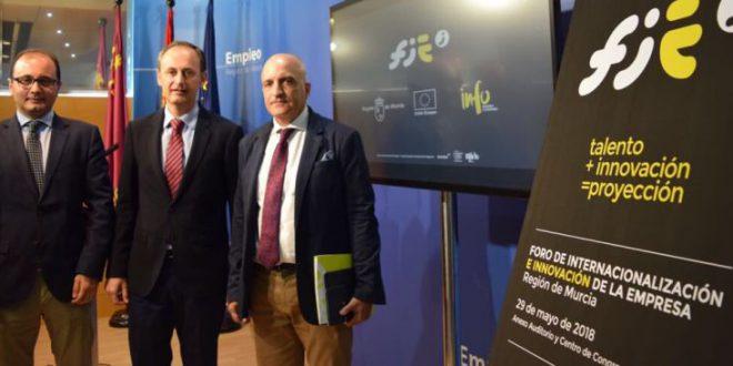 Consejero de Empleo, Universidades, Empresa y Medio Ambiente afirma que en Murcia se baten records de exportaciones