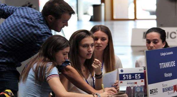 500 jóvenes murcianos aspiran a convertirse en los mejores emprendedores de España