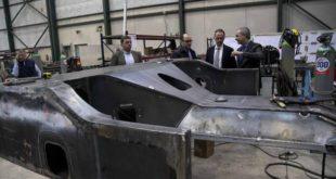INFO apoya a una empresa de Cartagena para que sea la primera en la Región en construir cajas de tren