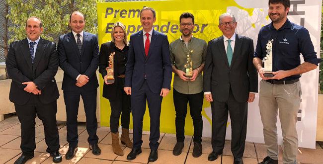 """Empresa Entomo Agroindustrial gana el premio """"Emprendedor del Año INFO-CLH"""""""