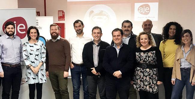 Mentores de los #SuperCafés de la AJE apoyan a nuevos emprendedores