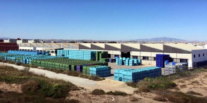 PALETPLASTIC: FABRICANTE DE CAJAS DE PLASTICO Y PALETS